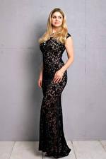 Фотографии Yvonne Woelke Блондинка Поза Платье Взгляд Девушки