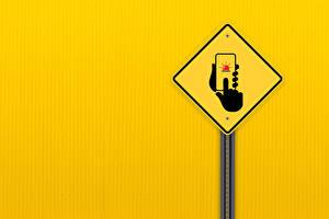 Картинки Сматфоном Рука Цветной фон road sign