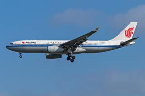 Обои Airbus Самолеты Пассажирские Самолеты Сбоку A330-200, Air China Авиация картинки