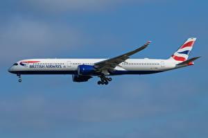 Обои Airbus Самолеты Пассажирские Самолеты Сбоку A350-1000, British Airways Авиация картинки