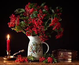 Картинка Ягоды Свечи Натюрморт Ваза guelder rose