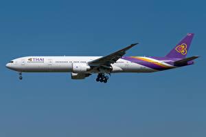 Фотографии Boeing Самолеты Пассажирские Самолеты Сбоку 777-300ER, Thai Airways International