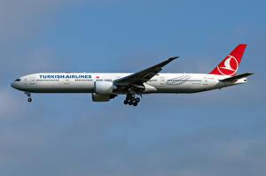 Обои Boeing Самолеты Пассажирские Самолеты Сбоку 777-300ER, Turkish Airlines