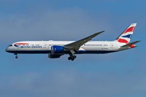 Обои Boeing Самолеты Пассажирские Самолеты Сбоку 787-9, British Airways Авиация картинки