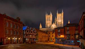Фото Англия Собор Дома Башня Уличные фонари Lincoln Cathedral