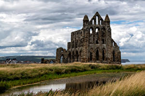 Картинка Англия Монастырь Руины Облако Whitby Abbey Природа