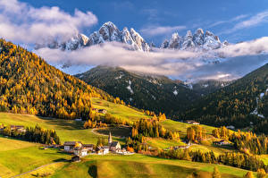 Фото Италия Горы Осень Пейзаж Альпы Облачно Долина Dolomites Природа