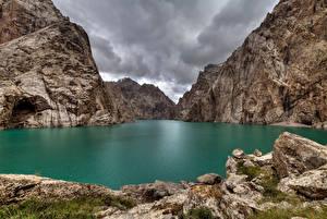 Фото Озеро Гора Скале Lake Kel Suu, Kyrgyzstan