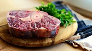 Картинки Мясные продукты Разделочная доска Кусок Боке steak Продукты питания