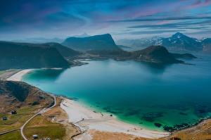 Картинки Норвегия Берег Гора Лофотенские острова Сверху