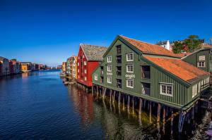 Картинка Норвегия Дома Реки Bakklandet, Trondheim Города