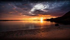 Картинки Норвегия Лофотенские острова Побережье Рассвет и закат Strønstad Природа