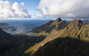 Обои Норвегия Лофотенские острова Горы Облака Тень Ramberg