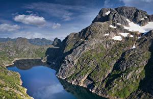 Картинки Норвегия Гора Лофотенские острова Озеро Trolltindan