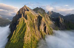 Фотография Норвегия Горы Лофотенские острова Облака Laupstad Природа