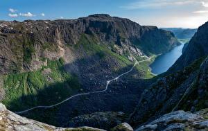 Картинка Норвегия Горы Камни Утес Фьорд Gloppedalsura Природа