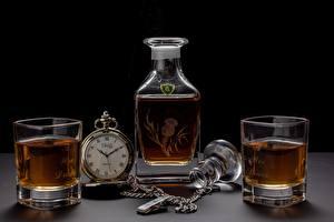 Фотография Карманные часы Виски Стакане Бутылка Продукты питания