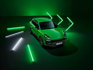 Обои для рабочего стола Порше Зеленый Металлик Macan GTS Sport Package, (Worldwide), (95B), 2021 автомобиль