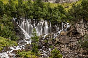 Фотография Швейцария Водопады Камень Утес Альп Природа