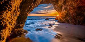 Картинка Америка Берег Рассвет и закат Арки Скала Калифорния Солнце Природа