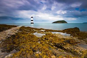 Картинки Великобритания Побережье Маяк Уэльс Облака Anglesey