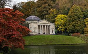 Картинка Великобритания Парк Здания Реки Деревьев Stourhead Gardens, Stourton, Wiltshire Природа