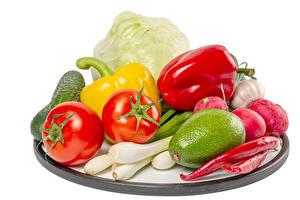 Фотографии Овощи Помидоры Перец Острый перец чили Редис Капуста Зелёный лук Авокадо Белый фон Пища