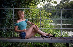Обои Victoria Borodinova Блондинка Сидя Ноги Юбка Блузка Позирует Девушки