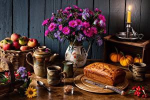 Обои Хлеб Букеты Яблоки Свечи Нож Натюрморт Корзина Кружке Ложка Цветы