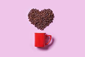 Фотография Кофе Розовый фон Кружки Зерно Сердца Еда