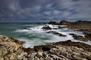 Фотографии Франция Берег Камень Облака Bretagne