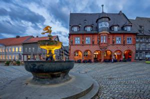 Фотографии Германия Фонтаны Здания Городской площади Goslar город