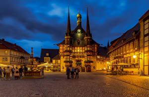 Фото Германия Дома Вечер Городской площади Wernigerode, rathaus