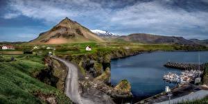 Обои Исландия Горы Причалы Облака Деревня Arnarstapi Природа картинки
