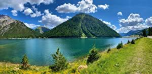 Картинки Италия Горы Озеро Альп Облачно Lago di Livigno