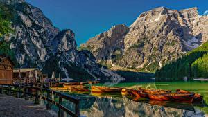 Фотография Италия Горы Озеро Пристань Лодки Альп Lake Braies