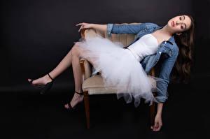 Картинка Кресло Поза Платье Смотрят Marie-Soleil Ethier Девушки