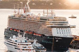 Фото Монте-Карло Монако Круизный лайнер Причалы Mein Schiff 5