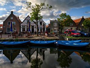 Картинки Нидерланды Здания Причалы Лодки Водный канал Singelwijk город