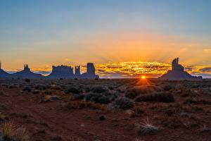 Фото США Вечер Рассвет и закат Скала Monument Valley Природа