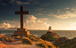 Фото Великобритания Берег Маяк Уэльс Креста Облако Llanddwyn island