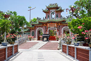 Картинка Вьетнам Храм Пагоды Лестница Уличные фонари Phuc Kien Pagoda in the Old Town of Hoi An Города